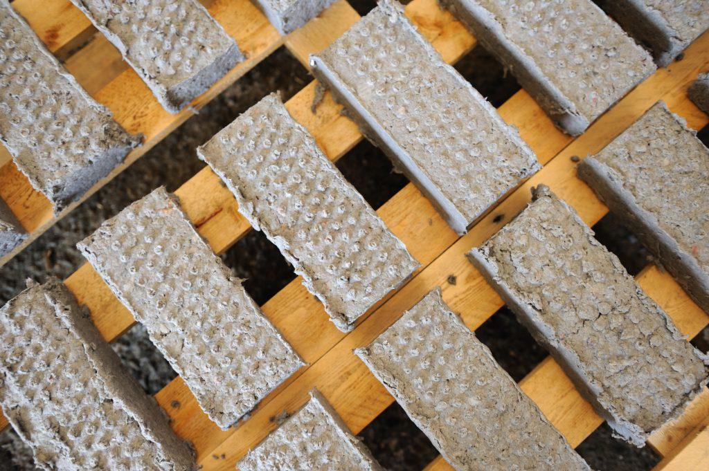 Les briques de papier
